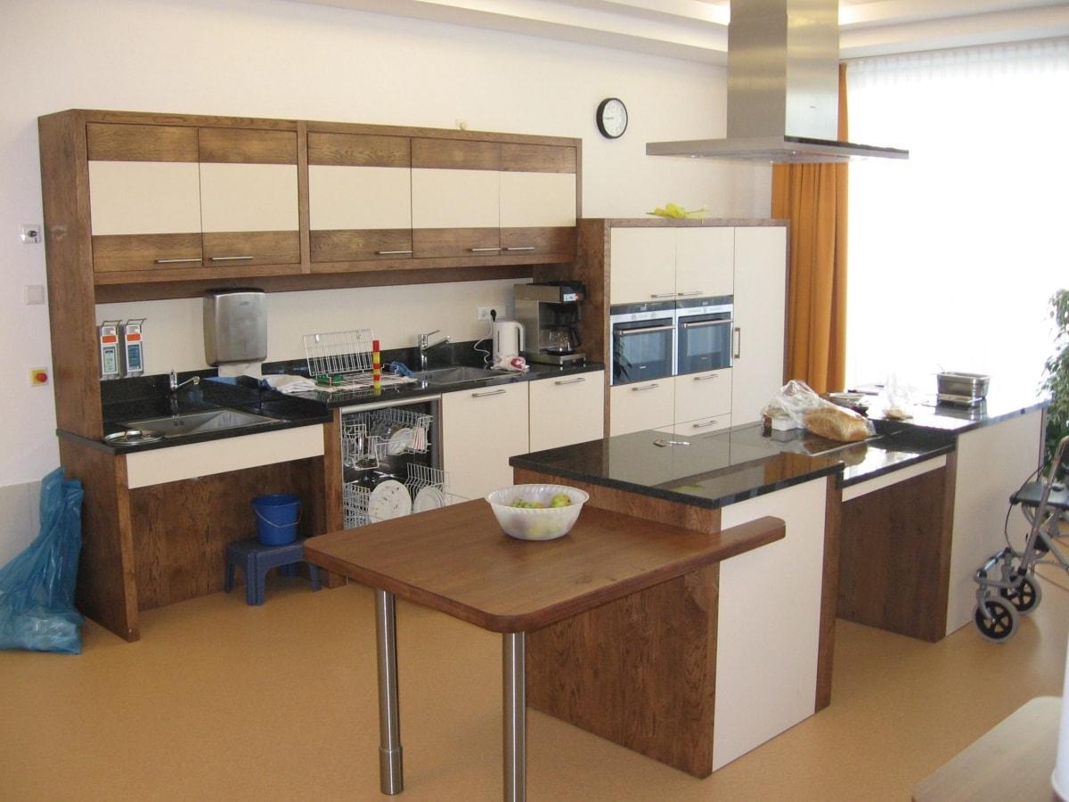 green Wood Küche alten- und behindertengerecht